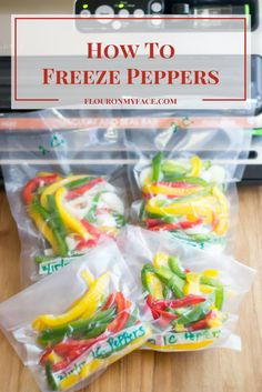 How to Freeze Sweet Bell Peppers using freezer bags or a food vacuum sealing system in recipe portions to make the dinner hour easier for busy moms. Freezing Bell Peppers, Sweet Bell Peppers, Stuffed Sweet Peppers, How To Freeze Peppers, Food To Freeze, Recipes To Freeze, Canning Bell Peppers, Freezing Vegetables, Freezing Fruit