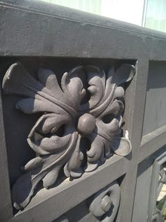 "Художественная мастерская ""ВЕМ"" Steel Frame Doors, Acanthus, Burlap Wreath, Sculptures, Carving, Wreaths, Metal, Patterns, Design"
