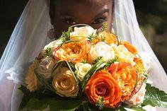 Mariage à Poissy en région Parisienne, pour Carsten et Anne Sophie Diaha. Mariage au thème de la Cote d'Ivoire, photographie Contrast Studio.