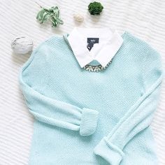 """Mint Crew Neck Sweater Shoulders:17.5"""" Bust:17"""" Length:23"""" Sleeves:24""""  Condition:has a snag on the sleeve  roll up the sleeves and layer this sweater under your favorite puffer vest or over a collared top  and you will look preppy and cool. Fits true to size. Posh rules only✖️no trades✖️no holds Forever 21 Sweaters Crew & Scoop Necks"""