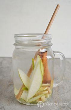 Agua con pera, canela y jengibre www.pizcadesabor.com