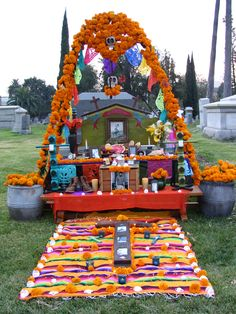Day Of The Dead Altar- such an awesome way to remember our loved ones and to see death as a part of a journey. Day Of The Dead Party, Holidays To Mexico, All Souls Day, Home Altar, Mexican Holiday, Halloween Decorations, Outdoor Decorations, Favorite Holiday, Disney