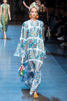 Sfilata Dolce   Gabbana Milano - Alta Moda Autunno-Inverno 2018-19 - Vogue d24b083177e