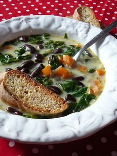 Toszkán bableves Eat Pray Love, Vegetable Dishes, Fruits And Vegetables, Soup Recipes, Food And Drink, Healthy Eating, Cooking, Ethnic Recipes, Chowders