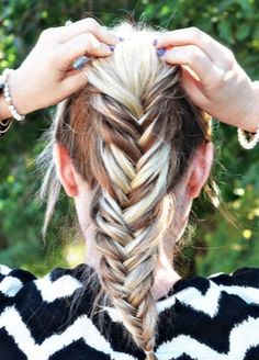 High ponytail + a fishtail braid = #WantThatHair