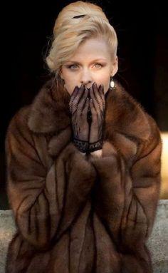 Fur Clothing, Fabulous Furs, Fur Fashion, Luxury Fashion, Mink Fur, Elegant Outfit, Fur Jacket, Faux Fur, Vintage Fashion