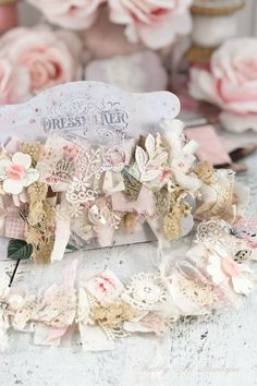 Let me show you how easy it is to make this beautiful and shabby snippet roll - Shabby Art Boutique Shabby Chic Embellishments, Scrapbook Embellishments, Shabby Chic Crafts, Vintage Crafts, Fabric Boxes, Fabric Scraps, Shabby Look, Fabric Journals, Paper Crafts
