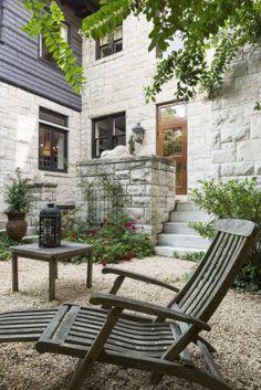 Fascinating Small Backyard Landscape Designs To Your Garden 16 Modern Courtyard, Courtyard Design, Courtyard Gardens, Outdoor Nursery, Outdoor Decor, Design Cour, Fireplace Kits, Small Backyard Landscaping, Landscaping Design
