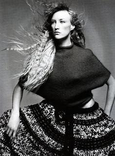UK Vogue December 1998