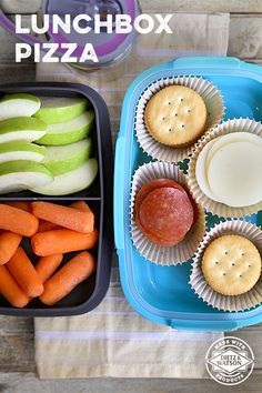 DIY Lunchbox Pizzas are an easy and healthy school lunch. Plus, they're ideal for hassle-free meal prep! Just assemble Dietz & Watson Pepperoni, rBGH-free Provolone and crackers and pair with your favorite fruits & veggies.