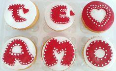 Cupcakes sabor vainilla/ fondat/ te amo/ san valentin/
