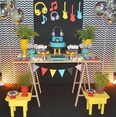 New music party theme ideas decoration Ideas Music Theme Birthday, Music Themed Parties, Baby Boy 1st Birthday, Music Party, Boy Birthday Parties, Kids Party Decorations, Kids Decor, Decoration Party, Dj Party