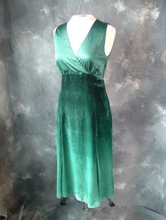 SOLD! $34 - Emerald Green Ombre Dress