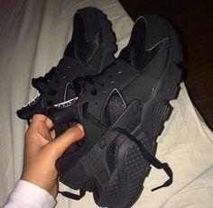 cheap nike shoes for women sneakers Zapatillas Nike Huarache, Nike Shoes Huarache, Nike Huarache Women, Sneakers Mode, Sneakers Fashion, Fashion Outfits, All Black Shoes, Black Shoes Sneakers, Shoes Trainers Nike