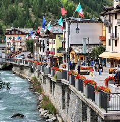 LA THUILE (Valle d'Aosta) - Italy - by Guido Tosatto