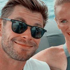 Chris Hemsworth, Business Casual, Pilot, Mens Sunglasses, Pilots, Men's Sunglasses, Business Casual Attire