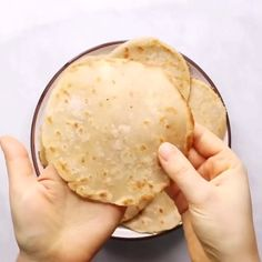 Two ingredient paleo cauliflower tortillas! Life-changing recipe for low calorie gluten free tortillas, ready in minutes! These tortillas have 42 calories and are loaded with veggies to keep you healthy and satisfied. Delicious, easy, and mind-blowing-easy recipe for homemade tortillas. Healthy Delicious Recipes, Healthy Recipe Videos, Healthy Snacks, Homemade Tortillas, Paleo Tortillas, Flour Tortillas, Gluten Free Recipes For Dinner, Whole 30 Recipes, Veggie Recipes
