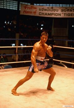 Jean Claude Van Damme In my favorite movie Roll. Kickboxing Benefits, Kickboxing Quotes, Kickboxing Women, Kickboxing Workout, Martial Arts Movies, Martial Artists, Karate, Kick Boxing Girl, Claude Van Damme