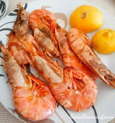 ΓΑΡΙΔΕΣ ΣΤΟ ΦΟΥΡΝΟ ΣΑΝ ΤΗΓΑΝΙΤΕΣ Greek Recipes, Fish Recipes, Seafood Recipes, Recipies, Fish And Seafood, Shrimp, Food And Drink, Meat, Cooking