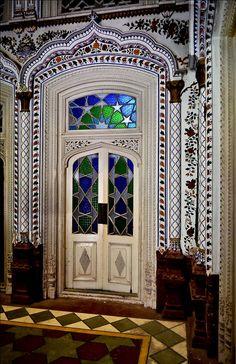 Door at Omar Hayat Palace (Pakistan) by ShaukatNiazi, via Flickr