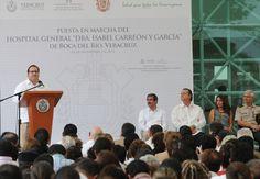 Al inaugurar el Hospital General de Boca del Río en el que se invirtieron 450 millones de pesos, el gobernador Javier Duarte de Ochoa expresó que es la realización de un viejo anhelo, ejemplo de lo que podemos lograr compartiendo tareas, para hacer de Veracruz un estado con familias más sanas.