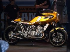 Ottonero Cafe Racer: Suzuki Egli 750 CR