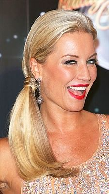 Strictly Come Dancing star, Denise Van Outen looks dazzling with her blonde tresses pulled into a fun side ponytail.