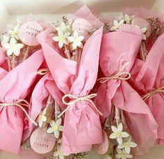 Buquê de biscoitos para lembrancinhas de maternidade ou aniversário!