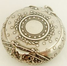 Antique French 800-900 Silver 'Poudrier' Compact locket for chatelaine.