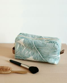 sewing projects for women handbags Sac Vanessa Bruno, Maxi Dress Tutorials, Fleece Hats, Girl Dress Patterns, Couture Sewing, Couture Bags, Pattern Drafting, Gucci Handbags, Pouch Bag