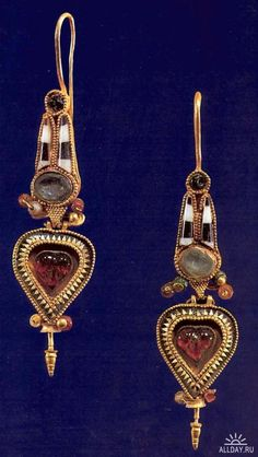 Ancient Egypt Jewelry. Earrings - I would so wear these!