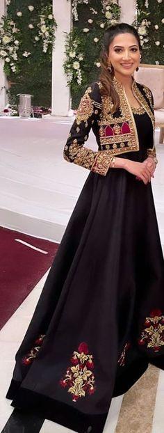 Pakistani Kids Dresses, Beautiful Pakistani Dresses, Shadi Dresses, Pakistani Fashion Party Wear, Pakistani Wedding Outfits, Pakistani Dress Design, Stunning Dresses, Indian Dresses, Indian Fashion
