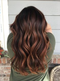 haar frben Welche Farbe solltest du deine Haare frben - Cool Style - Ombre hair color for brunettes - Brown Hair Balayage, Brown Hair With Highlights, Brown Blonde Hair, Short Balayage, Balayage Color, Balayage Hairstyle, Brunette Hair Warm, Auburn Highlights, Auburn Balayage