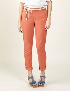 Chino trousers made in high quality cotton fabric. Leg tapers to ankle for a 50's look. With zip fly, belt loops, front slant pockets and 2 back welt pockets. This Chinos are garment-dyed and washed for a more casual yet elegant finish.  · Colour: Ginger  · Fit: Slim  · Length (Size M): 39 in.