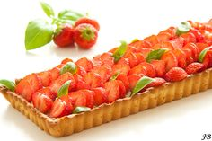 Carolines blog: Aardbeientaart met witte chocolade- en basilicumcr...