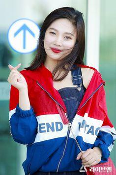 Kpop Girl Groups, Kpop Girls, Joy Rv, Red Valvet, Singer Fashion, Red Velvet Joy, Park Sooyoung, Fandom, Kim Yerim
