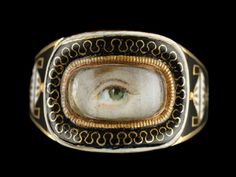 Gorgeous Lover's Eye ring...