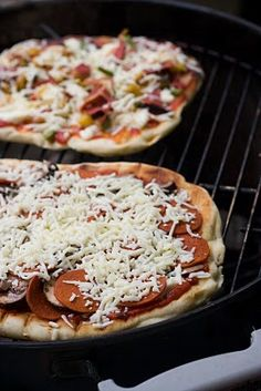 No Face Plate: Grilled Pizza