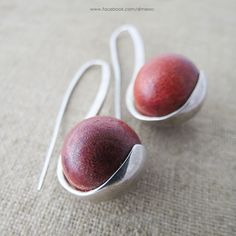 silver earrings with coral www.facebook.com/dimesso