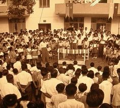 Lee Kuan Yew giving a speech in a rally.