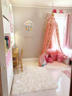 Girls bedroom ideas, cute bedroom, girls room decor, pink bedroom, pink and gray bedroom, white wood floors, unicorn decor, unicorn bedroom, little girls room