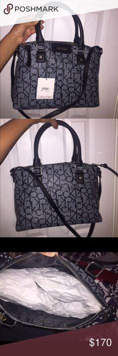 ❌$5 OFF FLASHSALE❌ Calvin Klein purse Whit and black and bag or tote. Never worn. Good condition Bags