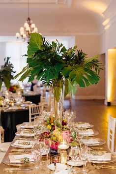 tall palm centerpiece | Elaine Palladino