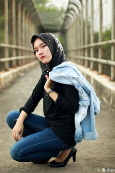 you cant explain it! #hijab #casual #womeninframe #peopleinframe