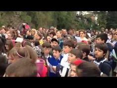 Crianças italianas fazem homenagem ao Brasil