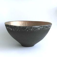 bowlblackbowlgoldinside-WEB.jpg (940×942)