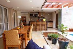 Pergolado, piscina e espaço gourmet