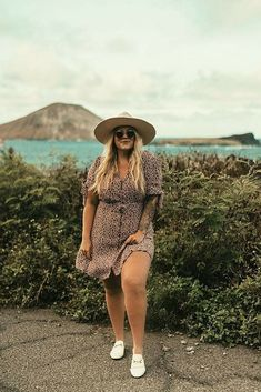 Down dress summer vacation outfits beach vacation outfits felt hat outfit. Outfits With Hats, Curvy Outfits, Plus Size Outfits, Dress Outfits, Dresses Dresses, Casual Outfits, Women's Plus Size Swimwear, Plus Size Bikini, Loafers Outfit Summer