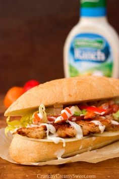 Ranch Grilled Chicken Sandwich - fantastic lunch idea with the best grilled chicken you will ever have! #recipe #chicken #sandwich #HiddenValleyIt