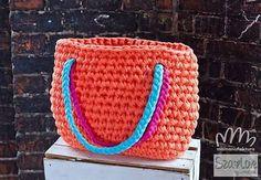 Dzierganie torebek będzie w Katowicach 12 kwietnia. 3 kwietnia dziergamy w Warszawie. Kosze, pufy i coś jeszcze - do ustalenia. A 9 kwietnia będą kosze i dywano-pufy w Krakowie. #bedziesiedziergalo #mamanufaktura #bobbiny #zpagetti #tshirtyarn #handmade #crochet #niezchinzpasji #niezchinzpolski #warszawa #warsaw #katowice #katolove #silesialove #warsztaty #szydełko #warsztat #virka #interior #krakow #kraków #cracovie #cracovia #szalove #twórcze #baglivingcrochet